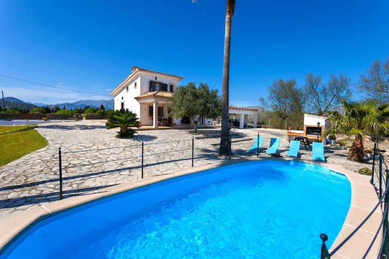 Outside Layout - Edu Beach Villa - Port de Pollenca - rentals