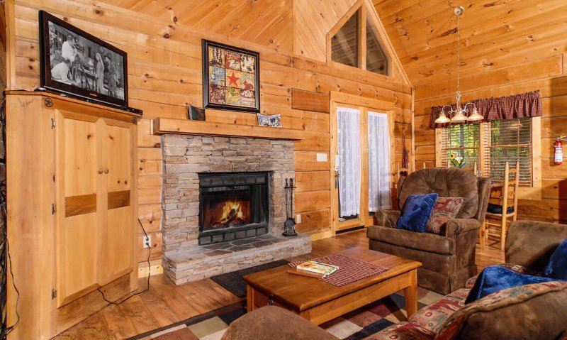 A Mountain Surprise - Image 1 - Pigeon Forge - rentals