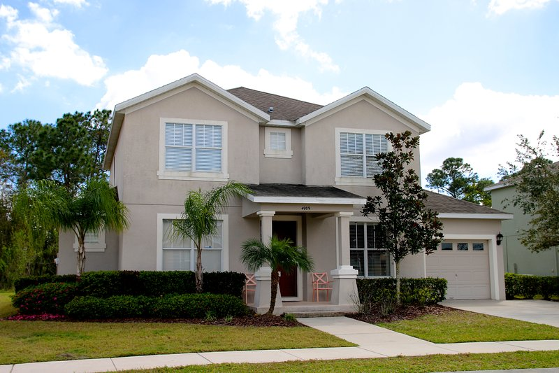 Front of this wonderful villa - Beautiful 6 bedroom Home - Kissimmee - rentals