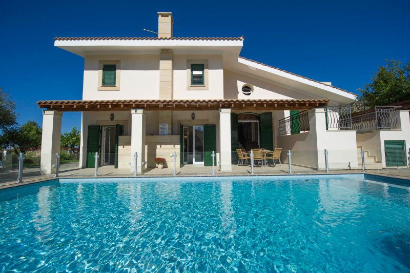 Villa With Private Pool - Villa Rhodia - Steni - rentals