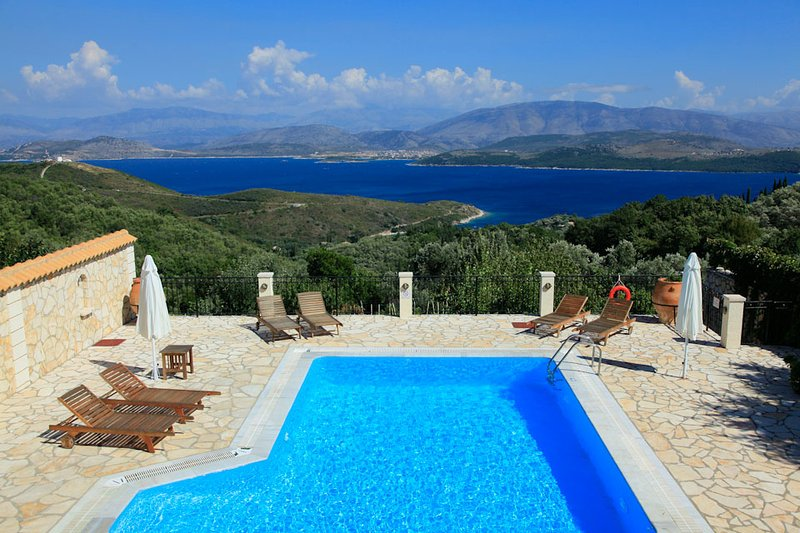 Villa With Private Pool and Beautiful Views - Villa Petros St Stephanos - Agios Stefanos NE - rentals