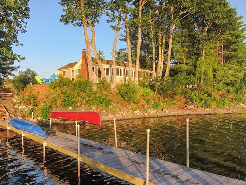 Exceptionally cute lakefront cabin w/ stunning views & dock - dogs ok! - Image 1 - Appleton - rentals