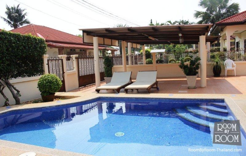Villas for rent in Hua Hin: V5271 - Image 1 - Hua Hin - rentals