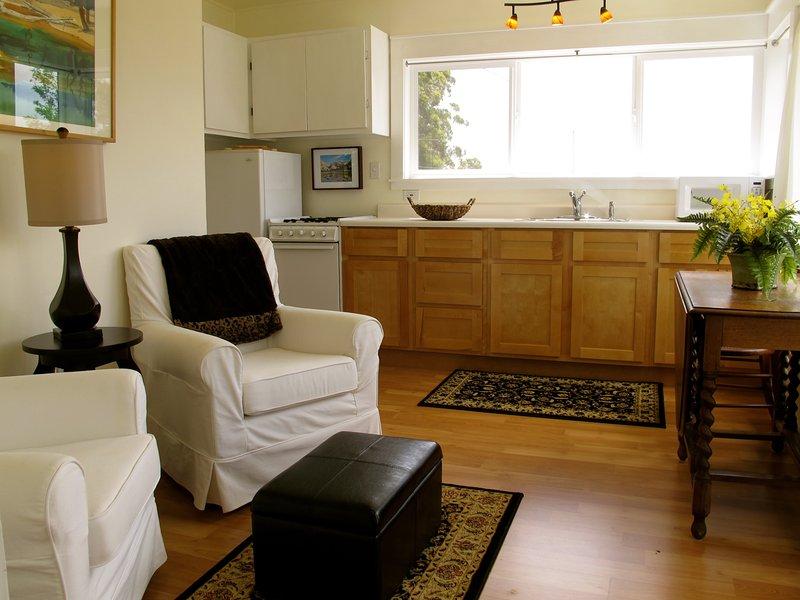 Cozy Redwood Cottage - Image 1 - Arcata - rentals
