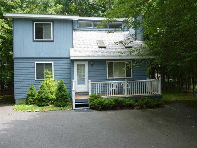 Exterior - Comfy Cozy Vacation Rental in Albrightsville - Albrightsville - rentals
