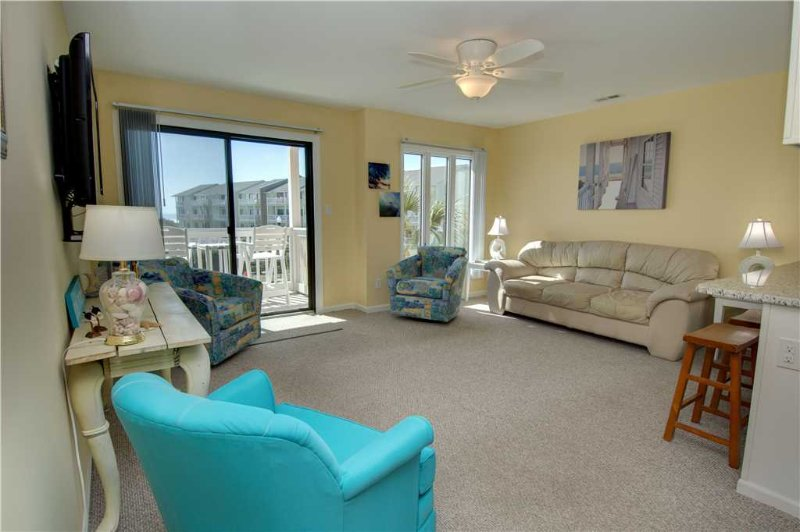 Pebble Beach D206 - Image 1 - Emerald Isle - rentals