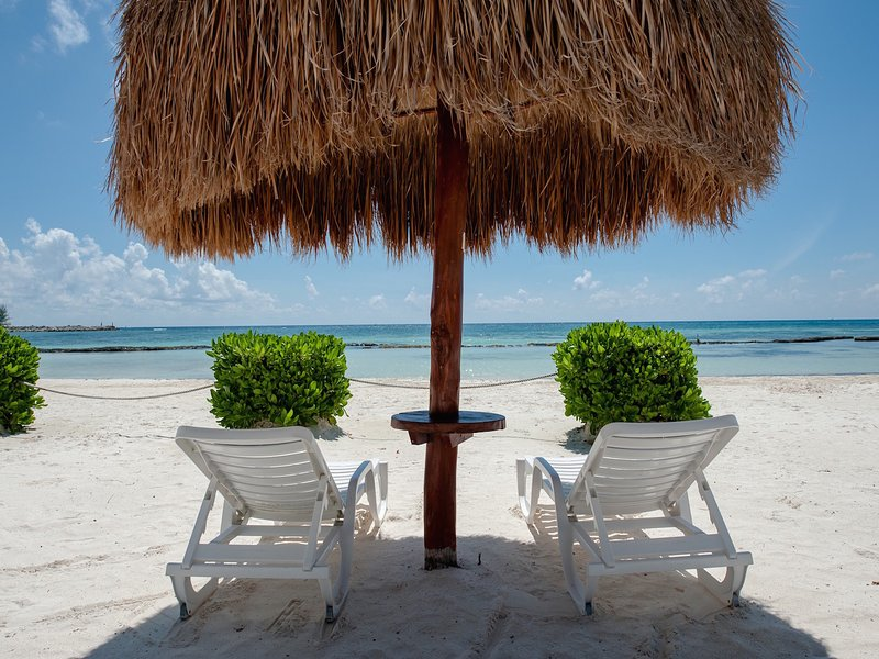 Riviera Maya Haciendas, Casa Arena -  The White Sandy Fatima Bay Beach - Great Snorkeling  - Riviera Maya Haciendas - Condo Casa Arena - 6 Guests - Private Beach - Puerto Aventuras - rentals