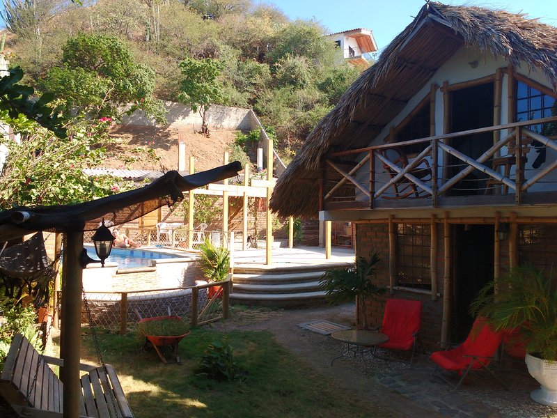 Beautiful traditional style bungalow in Santa Marta - Image 1 - Santa Marta - rentals