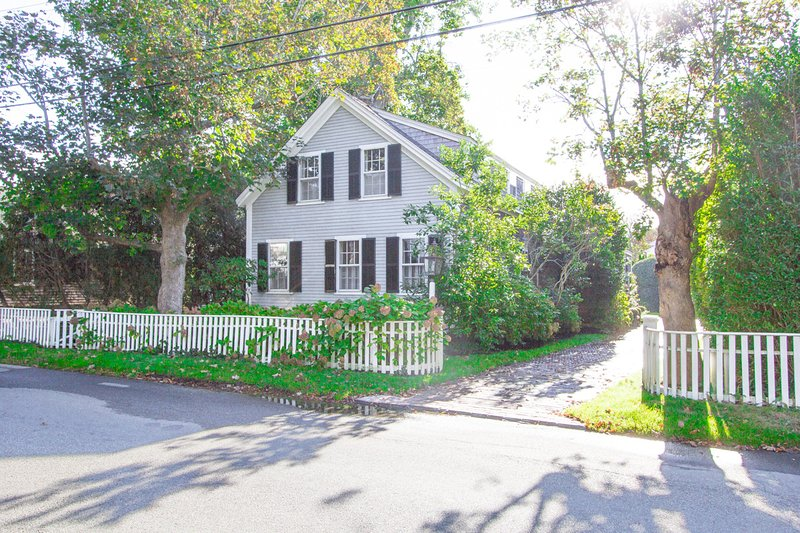 School Street Entrance - POLLE - Edgartown Village Location, Exquisite Decor, Private Patio and Yard - Edgartown - rentals