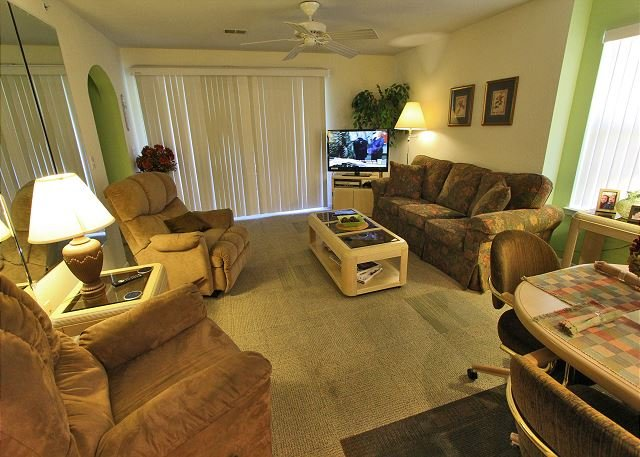 Holiday Hideaway - Holiday Hideaway- Lovely 2 Bedroom, 2 Bath Condo with cozy King Size Beds! - Branson - rentals