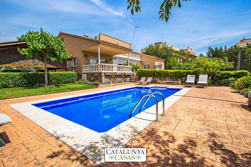 Idyllic villa in Castellarnau for 8-10 guests, a short drive/train ride from - Image 1 - Matadepera - rentals