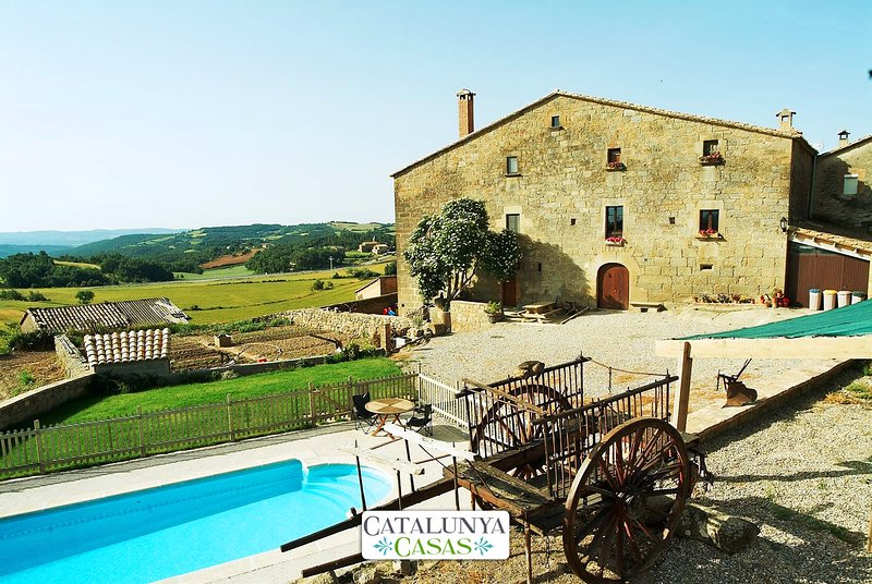 Historic Cave House for 15 guests, an easy drive from Barcelona! - Image 1 - Llobera - rentals