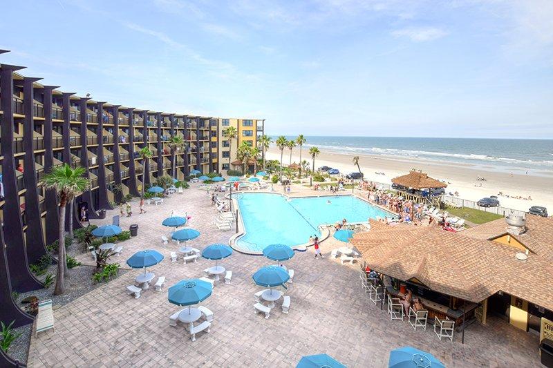 JUNE/JULY $PECIALS - HAWAIIAN INN CONDOMINIUM - OCEANFRONT - 1BR/1BA - #425 - Image 1 - Daytona Beach Shores - rentals