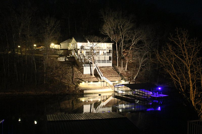 This lake side destination is fun, functional, and relaxing for the whole family. - Image 1 - Lake Ozark - rentals