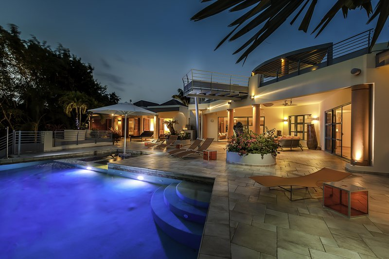 Blue Palm - Ideal for Couples and Families, Beautiful Pool and Beach - Image 1 - Terres Basses - rentals