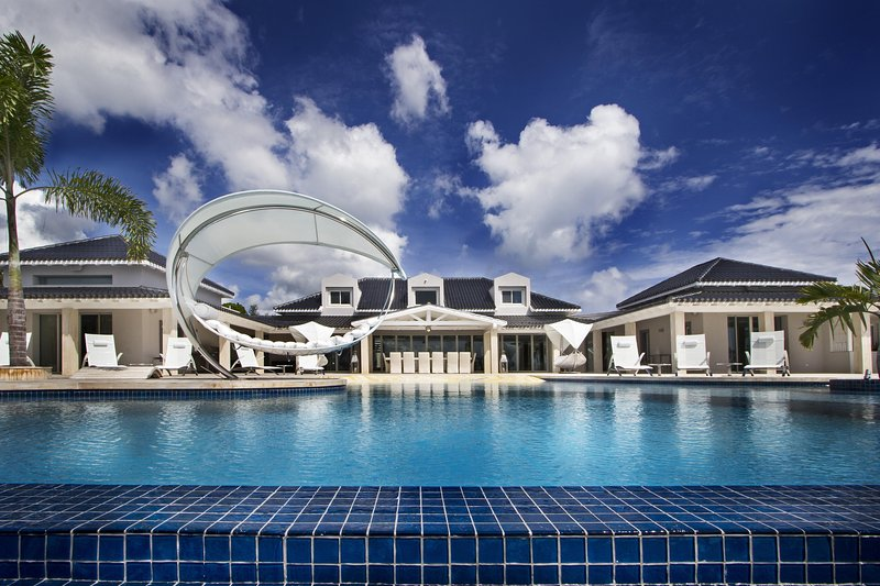 C'est La Vie - Ideal for Couples and Families, Beautiful Pool and Beach - Image 1 - Terres Basses - rentals