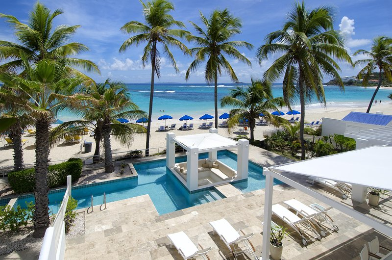 Alabaster - Ideal for Couples and Families, Beautiful Pool and Beach - Image 1 - Philipsburg - rentals