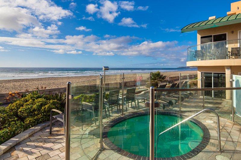 """Surfrider"" Beachfront Condo with Hot Tub - Image 1 - San Diego - rentals"