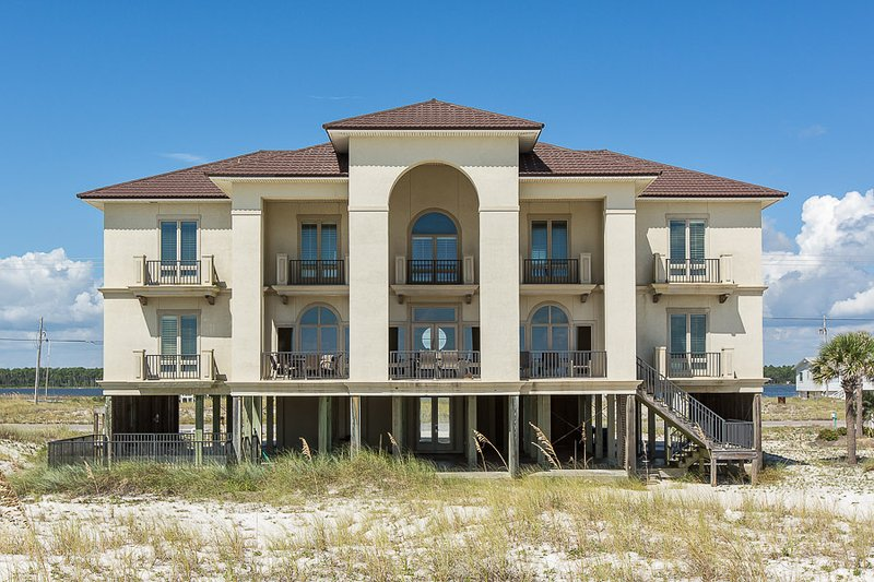Barefoot Bungalow II - Image 1 - Gulf Shores - rentals
