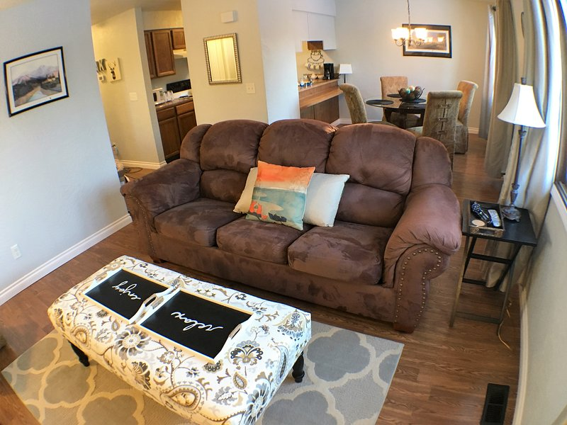 """This rental unit was the perfect home away from home..will definitely use it in the future"" Chelsea - 5-star UPDATED House! Central. W/D. WiFi. Yard - Anchorage - rentals"