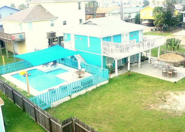 Helen's Hideaway: *Free 4 Pass Golf Cart w/ Private Pool, Palapa Bar, In Town - Image 1 - Port Aransas - rentals