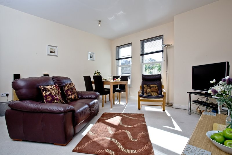 4 Hunters Moon located in Torquay, Devon - Image 1 - Torquay - rentals