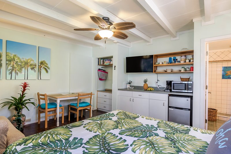 private Garden Studio with free parking and free wifi - Private Garden Studio, Pool on property - Kailua - rentals