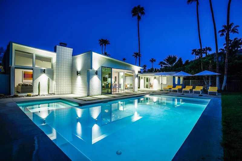 La Paloma Palms, Sleeps 8 - Image 1 - Palm Springs - rentals