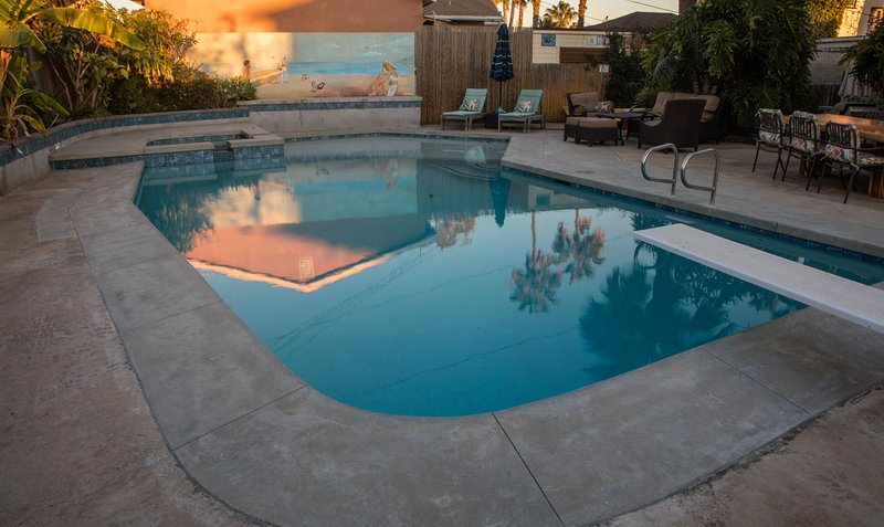 Cheerful house with pool, close to beach and bay! - Image 1 - Pacific Beach - rentals