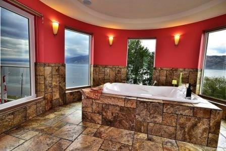 Double Jacuzzi Tub in the Master Bedroom with Panorama Lake view. - Beach Ave Castle Luxury Vacation Rental--Okanagan Lake Front - Peachland - rentals