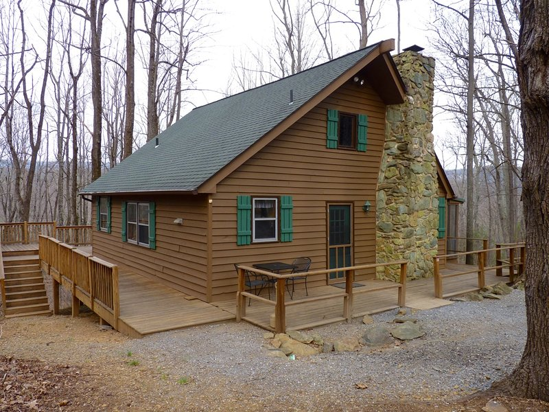 Our Secluded 3BR Cabin, Close to the Blue Ridge Parkway - Private Pet-Friendly 3BR Blue Ridge Mtn Cabin - Huge Deck - Charlottesville - rentals
