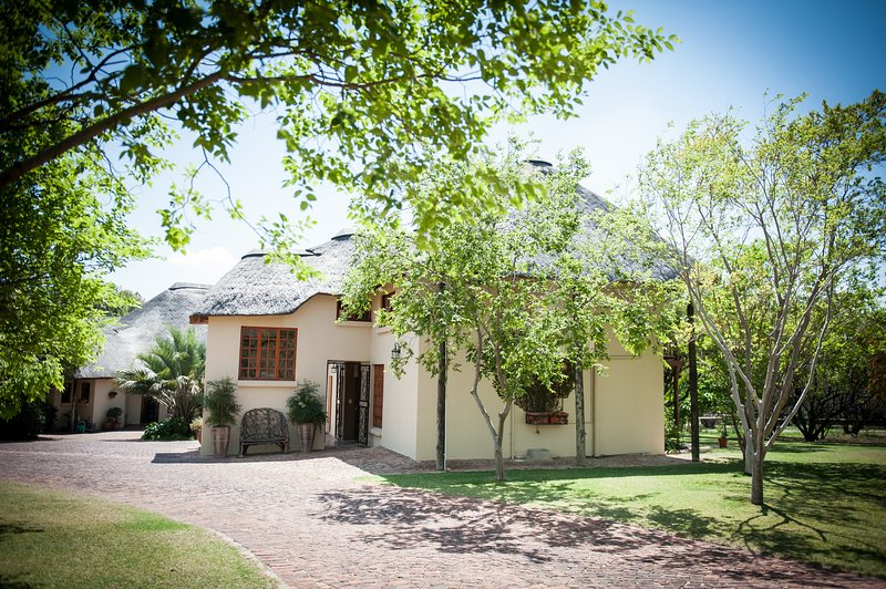 Entrance to Thatch and Thorn - Thatch and Thorn - Midrand - rentals