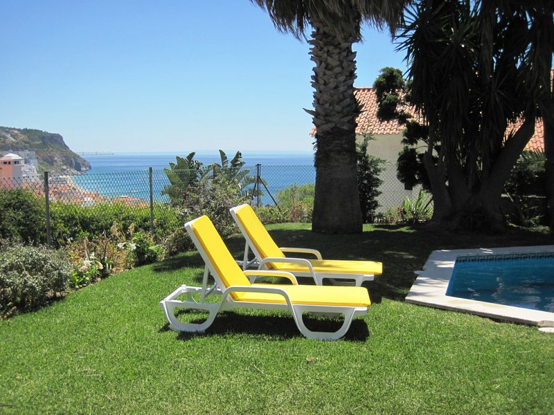 S1 - SESIMBRA 4BDR VILLA WITH PRIVATE SWIMMING POOL - Image 1 - Sesimbra - rentals