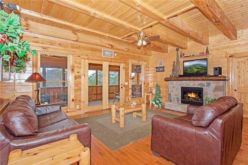 Bear Den Lodge - Image 1 - Pigeon Forge - rentals