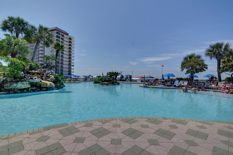 Large lagoon pool at beach side  Edgewater Beach Resort - Edgewater Beach Resort golf villa - Panama City Beach - rentals
