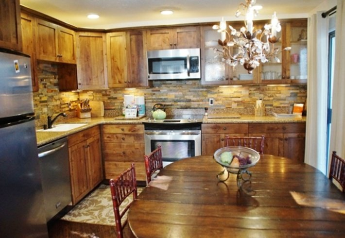 Luxurious, Modern Upgrades - Listing #301 - Image 1 - Mammoth Lakes - rentals