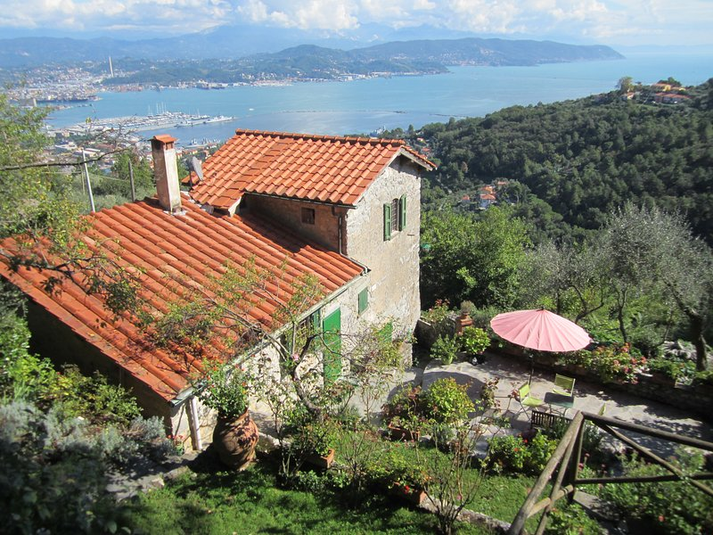 Enjoy the amazing view over the Poets' Gulf! - Cinque Terre Cottage - Cinque Terre - rentals