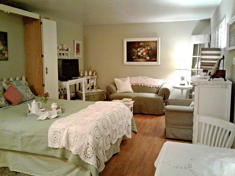 Cottage Tea Room-Cute Cottage Style Studio Apt. just Steps from the Sand - Image 1 - Oceanside - rentals