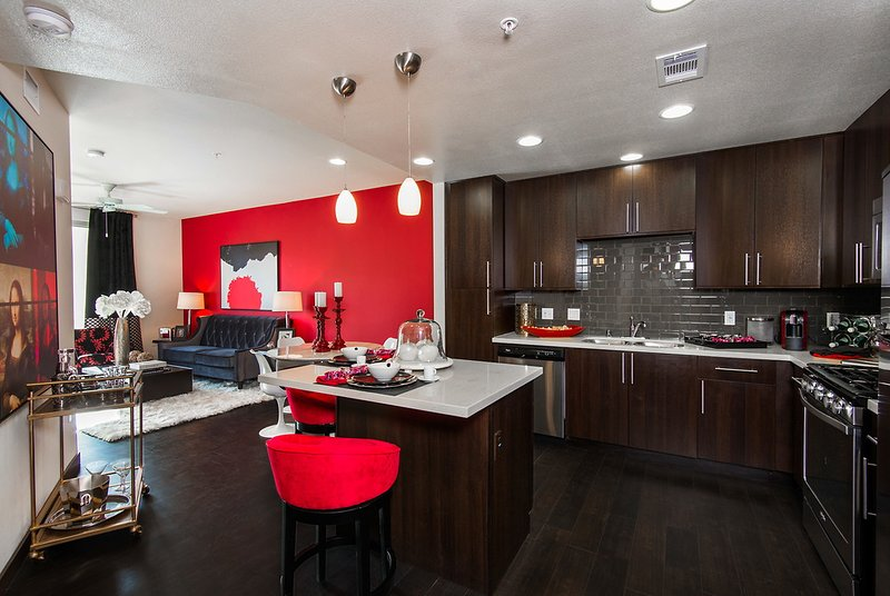 WeHo Penthouse I. Pool, gym, rooftop deck! - Image 1 - Los Angeles - rentals