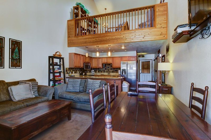 Cozy, dog-friendly home with ski-in/out access & mountain views! - Image 1 - Brian Head - rentals