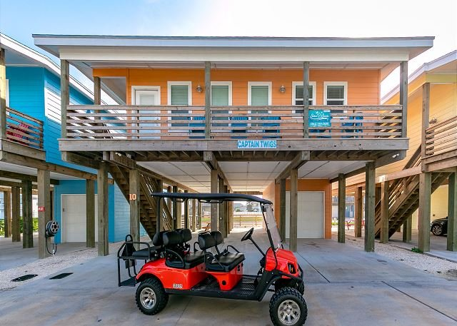 """Welcome to Captain Twigs! - 4BR/3.5BA NEW """"Capt. Twigs"""" Pet Friendly, *Golf Cart Included, Close to Beach - Port Aransas - rentals"""