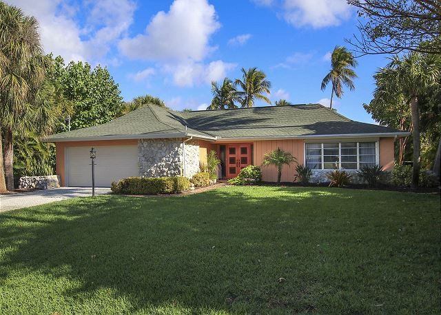 Exterior - Beautiful Three bedroom ground level home with pool in West Rocks - Sanibel Island - rentals