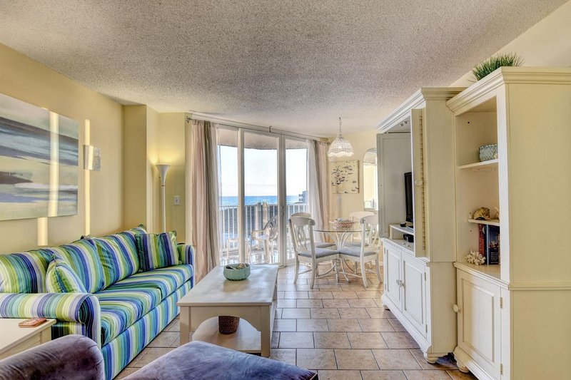 Living Room - St. Regis 1204 Oceanfront! |  Indoor Pool, Outdoor Pool, Hot Tub, Tennis - North Topsail Beach - rentals