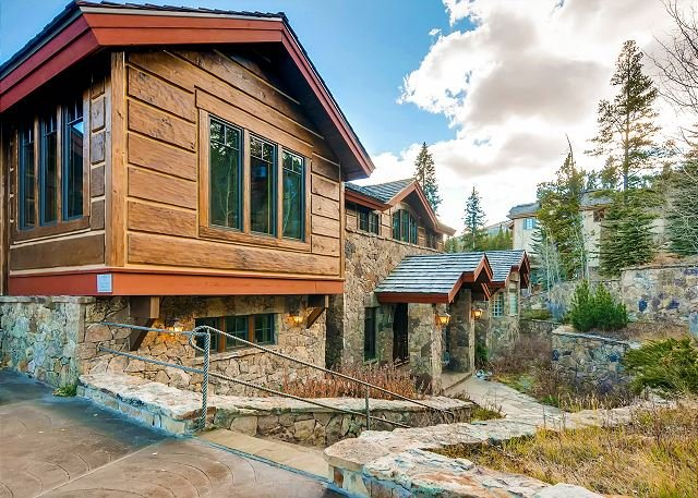 This Elegant Chateau Brings Old World Europe to Breckenridge; walk to slopes! - Image 1 - Breckenridge - rentals