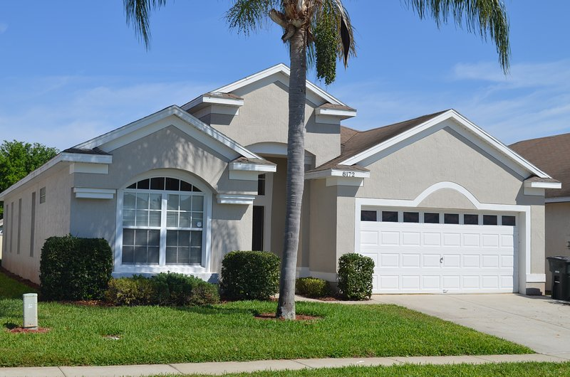 Desired Resort Luxury Vacation Pool Home, Steps to Disney, Gated, Free WIFI, BBQ - Image 1 - Four Corners - rentals