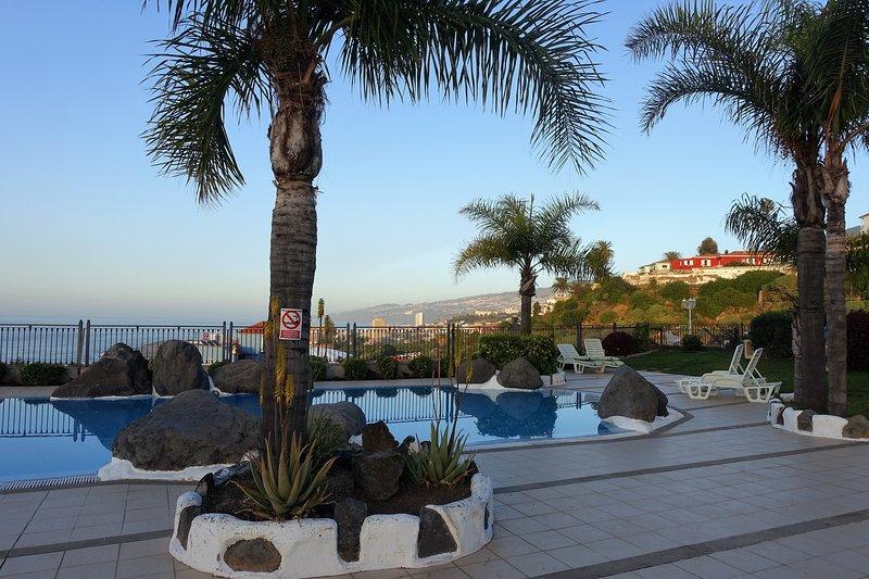 Solarium, piscina y vistas - Nice apartment with pool in residential complex - Puerto de la Cruz - rentals