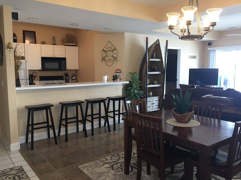 Welcome!  Inviting, clean and comfortable. - Lakefront Condo, 3BR, Fantastic View, heated pools - Lake Ozark - rentals