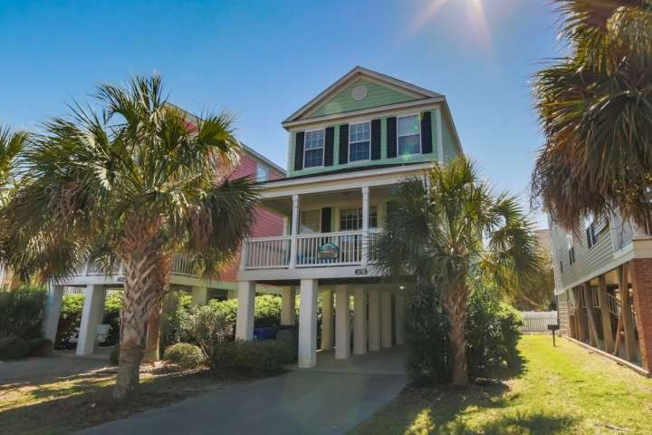 You and your family will enjoy lots of space at Sherbet Hermit.  There is space for four cars to park, two can park under the house. - Sherbet Hermit, Large Luxury Home w/Private Pool, Just 75 Steps to Surfside Beach - Surfside Beach - rentals