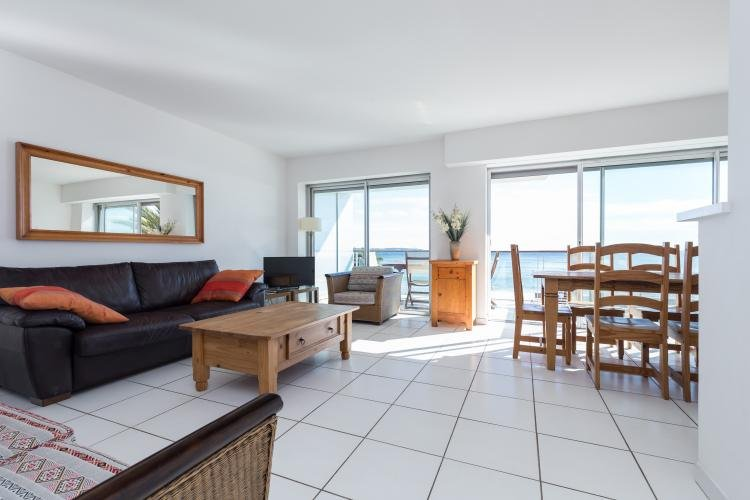 Fantastic 2 Bedroom Cannes Apartment with a Large Terrace and Great Views - Image 1 - Cannes - rentals