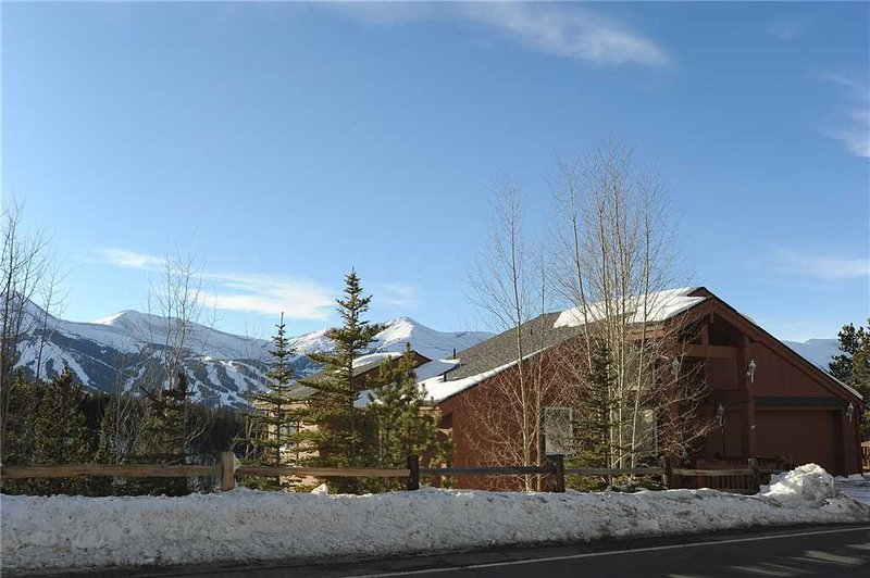 Conveniently Located  3 Bedroom  - 2542 Boreas Pass - Image 1 - World - rentals